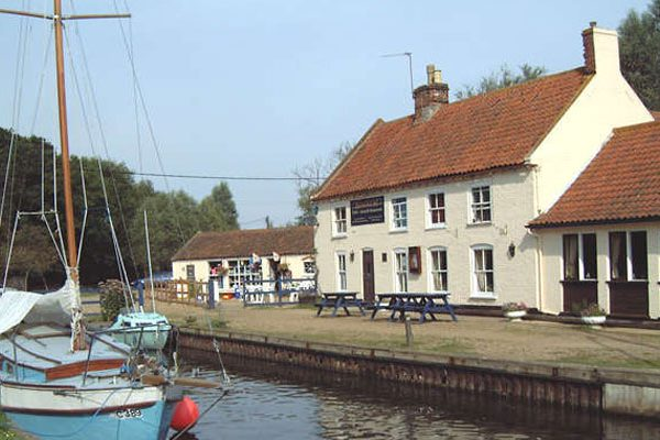 The Pleasure Boat Inn, Hickling